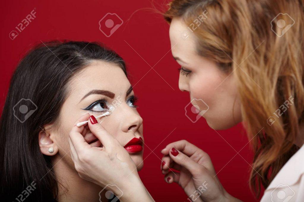 دوره آرایش و پیرایش زنانه ، کلاس آرایش و پیرایش زنانه