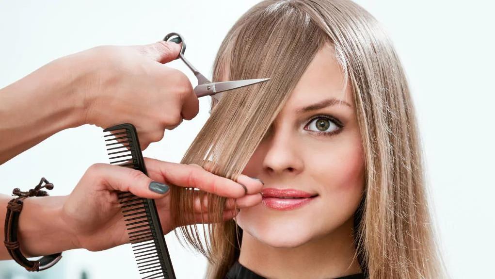 دوره آرایشگری زنانه فنی حرفه ای